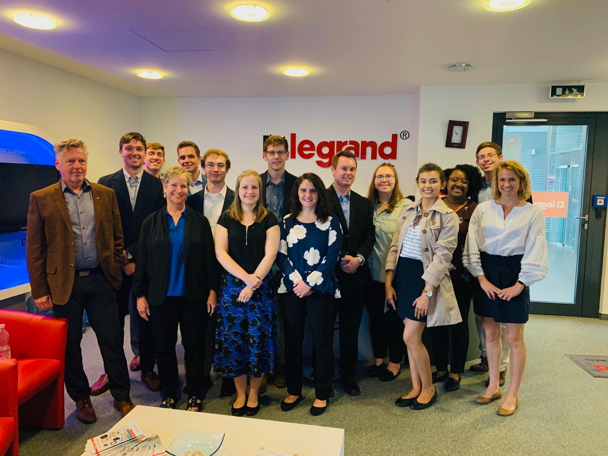 Amerikai mérnök-MBA diákok jártak tanulmányúton a Legrandnál